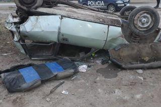 EL 504. Destruido después de ser impactado desde atrás por un Ford K. Una mujer murió por el choque