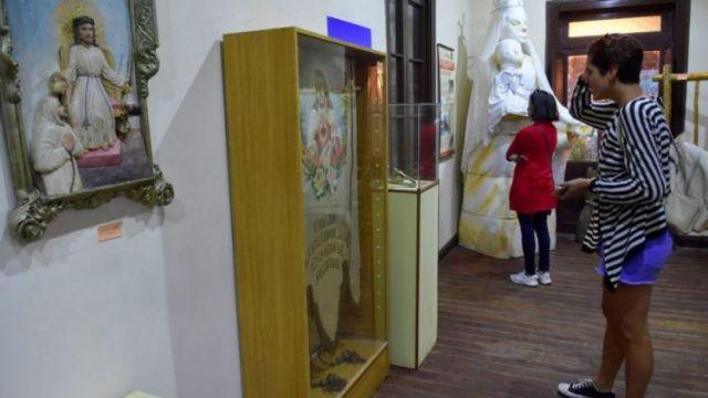 Muestra. Imágenes religiosas de antiguas familias y de iglesias se pueden apreciar en una de las 6 salas