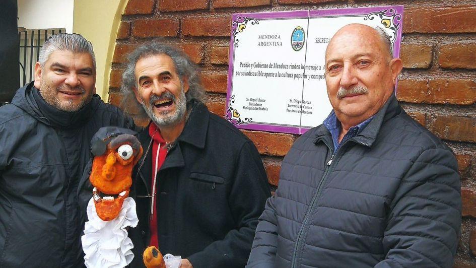 Rivadavia: emotivo homenaje a reconocido titiritero