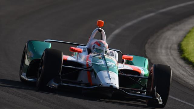 Un equipo comandado por un argentino eliminó a Alonso de la Indy500