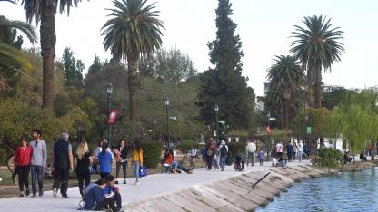 Aislado. El parque estará libre de cartelería y parlantes.