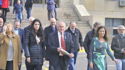Oscar Parrilli, Martín Sabatella y Gabriela Cerruti, algunos de los presentes en los tribunales de Comodoro Py.