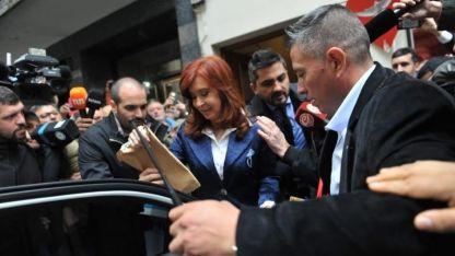 CFK llegó se retiró pasadas las 15 de Comodoro Py.