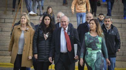 Ex funcionarios y políticos que asistieron al juicio.
