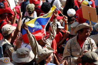 Seguidores de Nicolás Maduro, durante una marcha cerca de Miraflores.