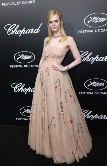 Elle Fanning se desmayó en Cannes debido a un