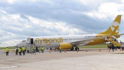 FlyBondi. Una de las low cost que operan en la provincia.