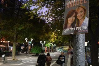 Solo dos Fernández. Anabel y Cristina, en la campaña de Unidad Ciudadana. Alberto no figura.