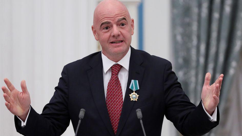 La geopolítica termina con las ambiciones de Infantino para el Mundial 2022