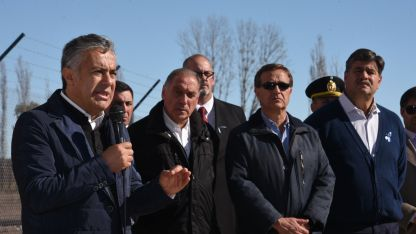 Cornejo recorrió un penal en el sur provincial y habló sobre la situación de Cambiemos