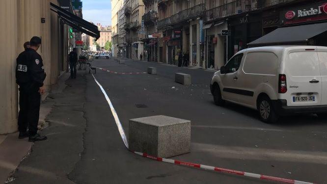 Explotó un paquete bomba en la peatonal de la ciudad francesa de Lyon: al menos 8 heridos