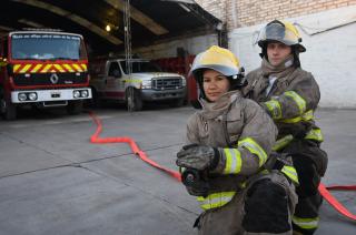 Voluntarios. El personal valora su preparación y equipamiento