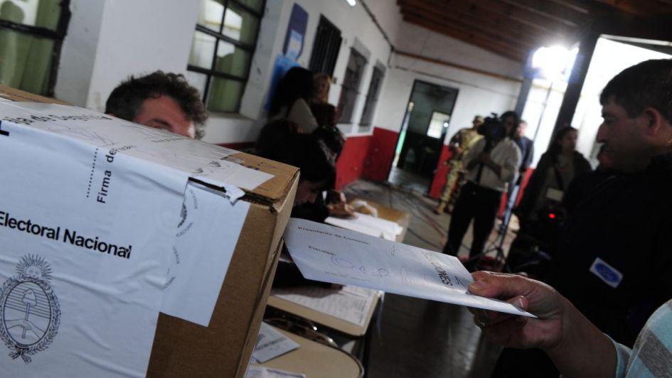Semana clave para el armado de frentes electorales - Por Leandro Boyer