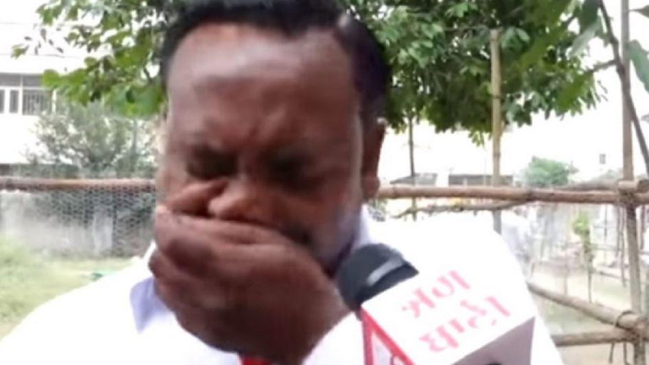 ¡Político lloró porque ni sus familiares votaron por él!
