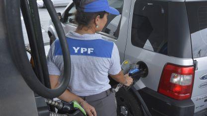 Más caro. La nafta súper ya alcanzó los $ 44 en la provincia.