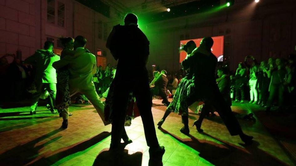 Tango, vino y gastronomía: la cita de jueves a la noche