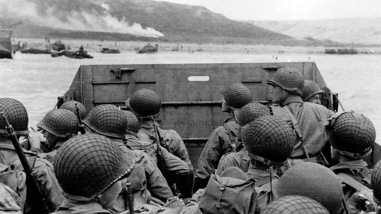 Líderes mundiales honran a veteranos en aniversario del Día D