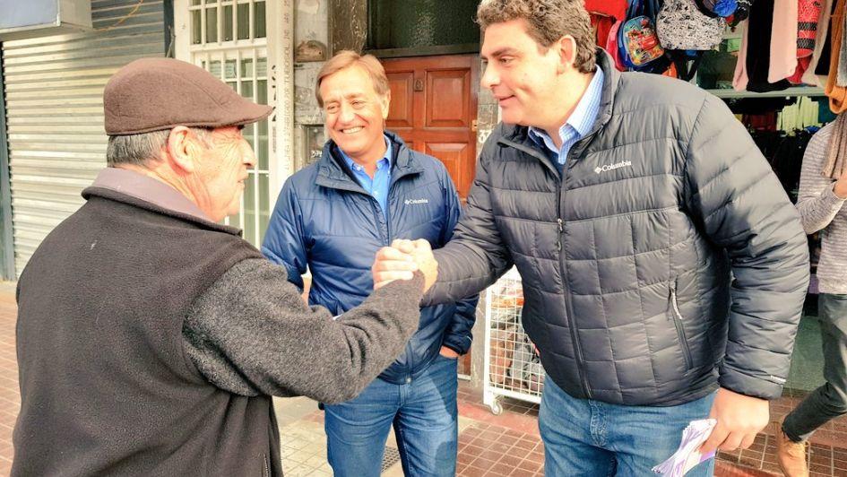 Junto a Suárez, Kerchner conversó con comerciantes del centro de Luján