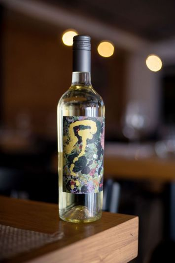 Blanco de Hileras, el segundo vino propio de un reconocido restó de Buenos Aires