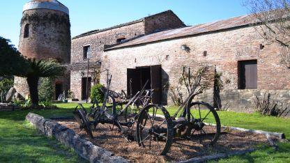 Colonial: el histórico molino se encuentra a escasos kilómetros de Colón, Argentina