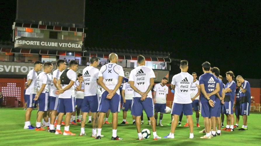 Copa América Scaloni ya tendría el equipo para el debut ante Colombia