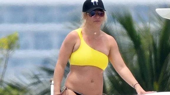 Imágenes polémicas: ¿quién miente el fotógrafo o Britney Spears?