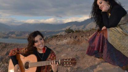 Juntas en el viaje. Marianela y Betiana Abraham llevarán su disco a Perú y ya planean cruzarlo a Chile.