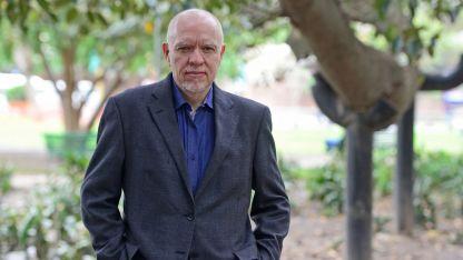 """Jorge Fernández Díaz. Otra distinción para su libro """"El puñal""""."""