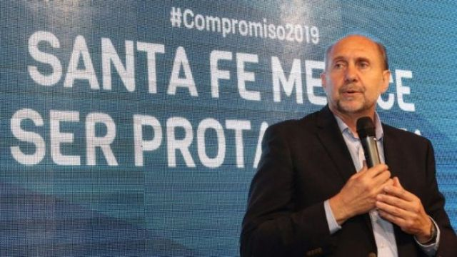Omar Perotti del Frente Juntos se impone en el escrutinio provisorio.