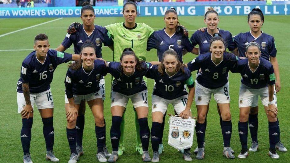 La selección femenina volvió del Mundial y tuvo un merecido recibimiento