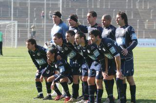 De estreno. Arriba: Vivaldo, Pomba, Negri, Ledesma y Palacio. Abajo: Landa Garza, González, Priotti, Fioretto, Real y Ferrero.